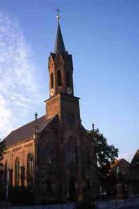 Kirche in der Abendsonne